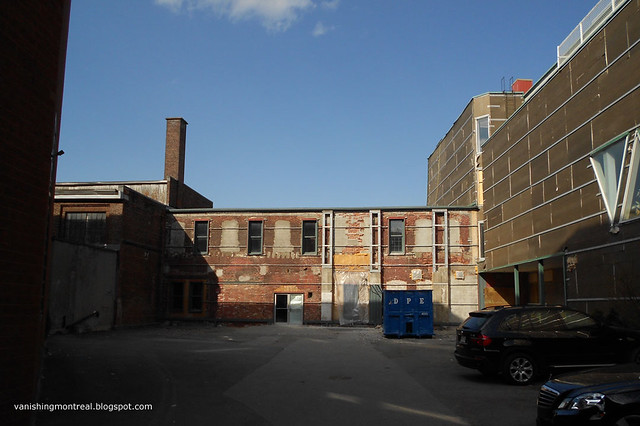 Garda building 2