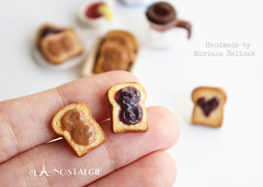 Peanut Butter and Grape Jelly Sandwich Ear studs /…