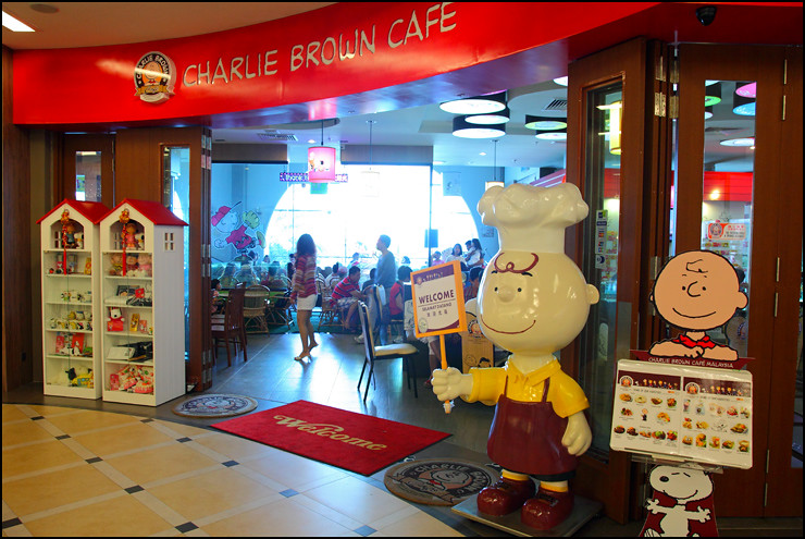 charlie-brown-cafe-penang