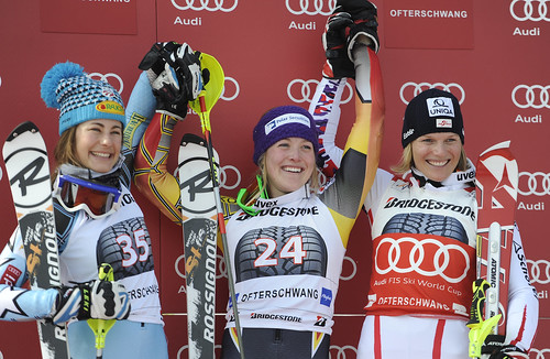 Erin Mielzynski on top the podium in Ofterschwang with Resi Stiegler (2nd) and Marlies Schild (3rd).