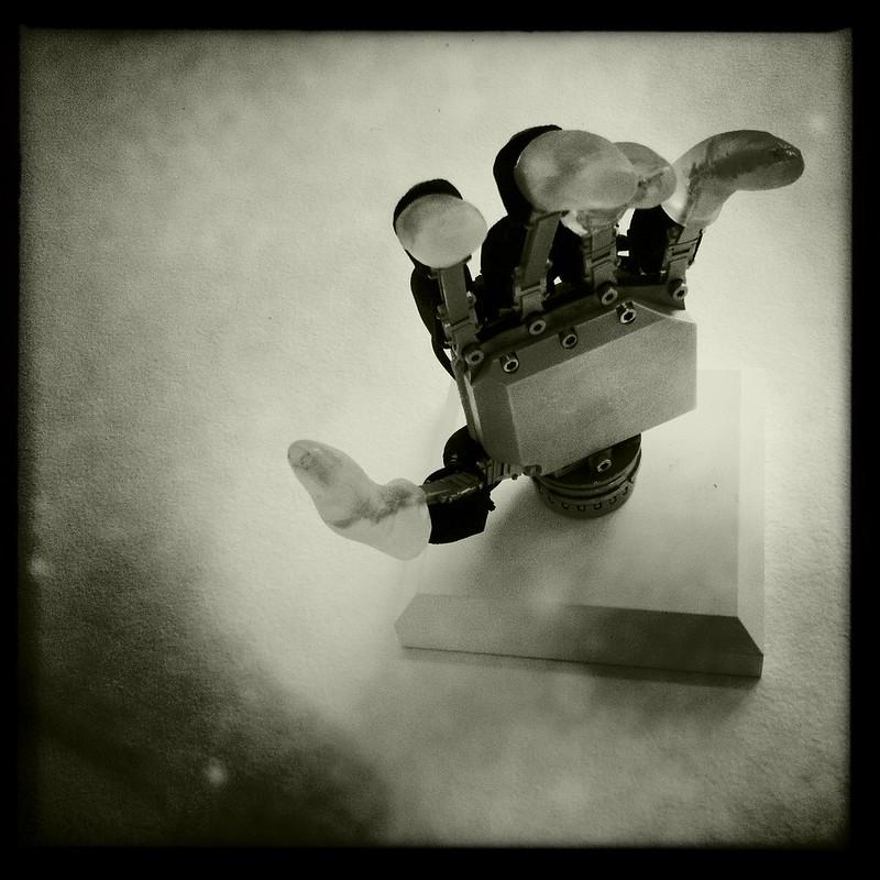 robotic hand, deutsches museum, munich