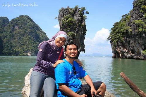 Saya dan Istri di James Bond Island
