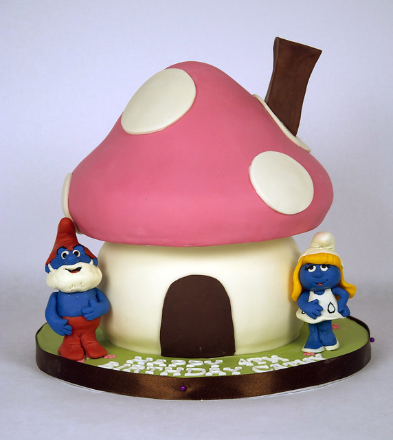 How To Make A Smurf House Cake