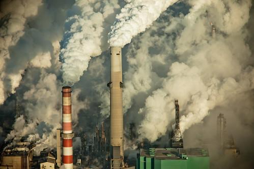 加拿大開採油砂礦排放的溫室氣體。(來源:kris krüg)