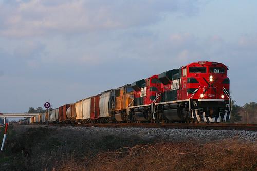 winter up spring texas trains unionpacific railroads ferromex sd70ace lloydyard