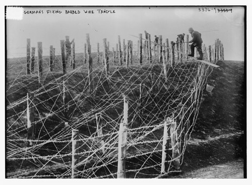 Germans fixing barbed wire tangle  (LOC)