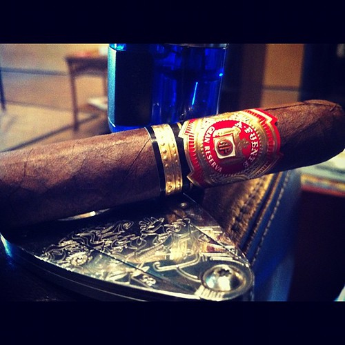 Starting with the Fuente 8-5-8 Sun Grown #XikarNation