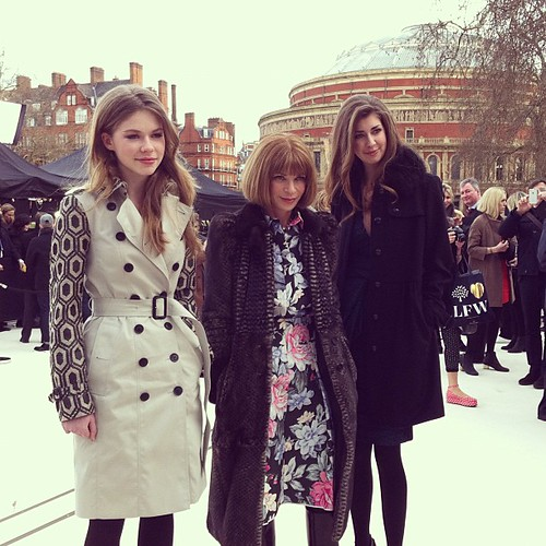 burberry_before_live_show_anna_wintour