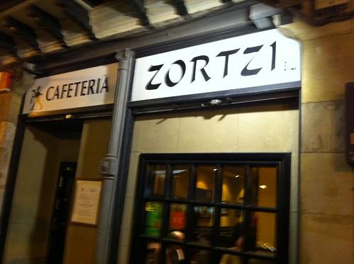 Cafeteria ZORTZI o un bar de amigos by LaVisitaComunicacion