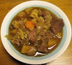 japanese curry(0.0), produce(0.0), pot roast(0.0), stew(1.0), curry(1.0), beef(1.0), beef bourguignon(1.0), meat(1.0), food(1.0), korma(1.0), dish(1.0), cuisine(1.0), gulai(1.0), gumbo(1.0), goulash(1.0),