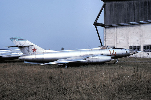 14r Yak-27