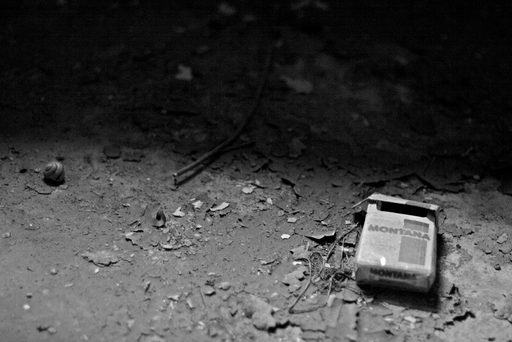 cigarette box Jüterbog black and white