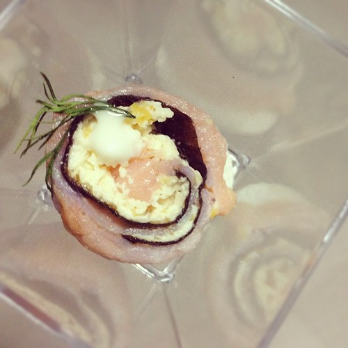 Bayya 39 s eats and other stuff kriston catering for Smoked salmon roulade canape