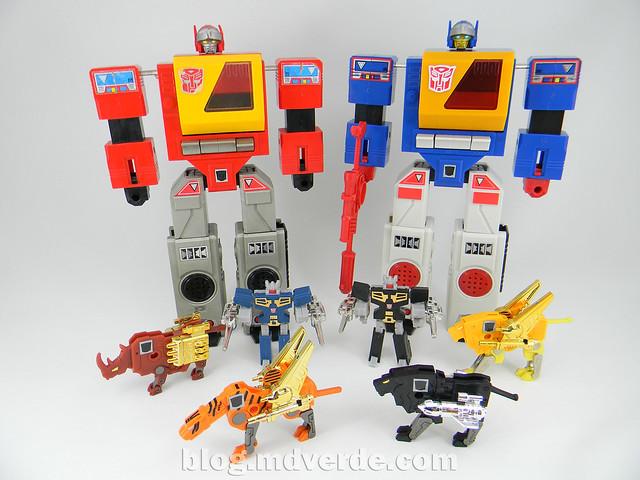 Transformers Nightstalker - G1 Encore - modo robot vs casetes y grabadoras Autobots