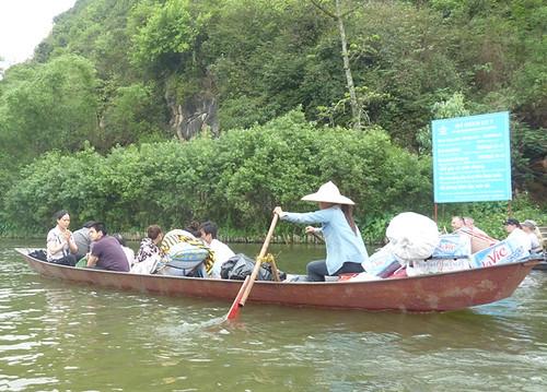 Hanoi 12-Perfume Pagoda (41)
