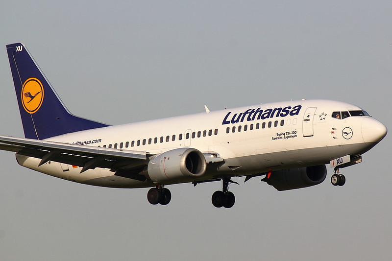 Lufthansa - B733 - D-ABXU