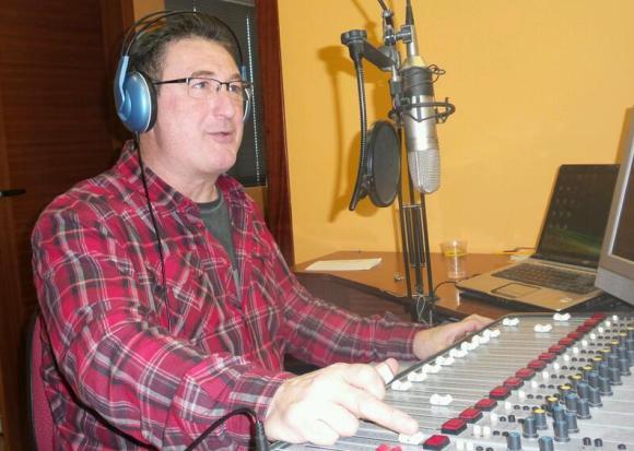 @Revuelta_Carlos presenta JUNTOS PERO NO REVUELTOS el programa de referencia en la comarca del Besaya