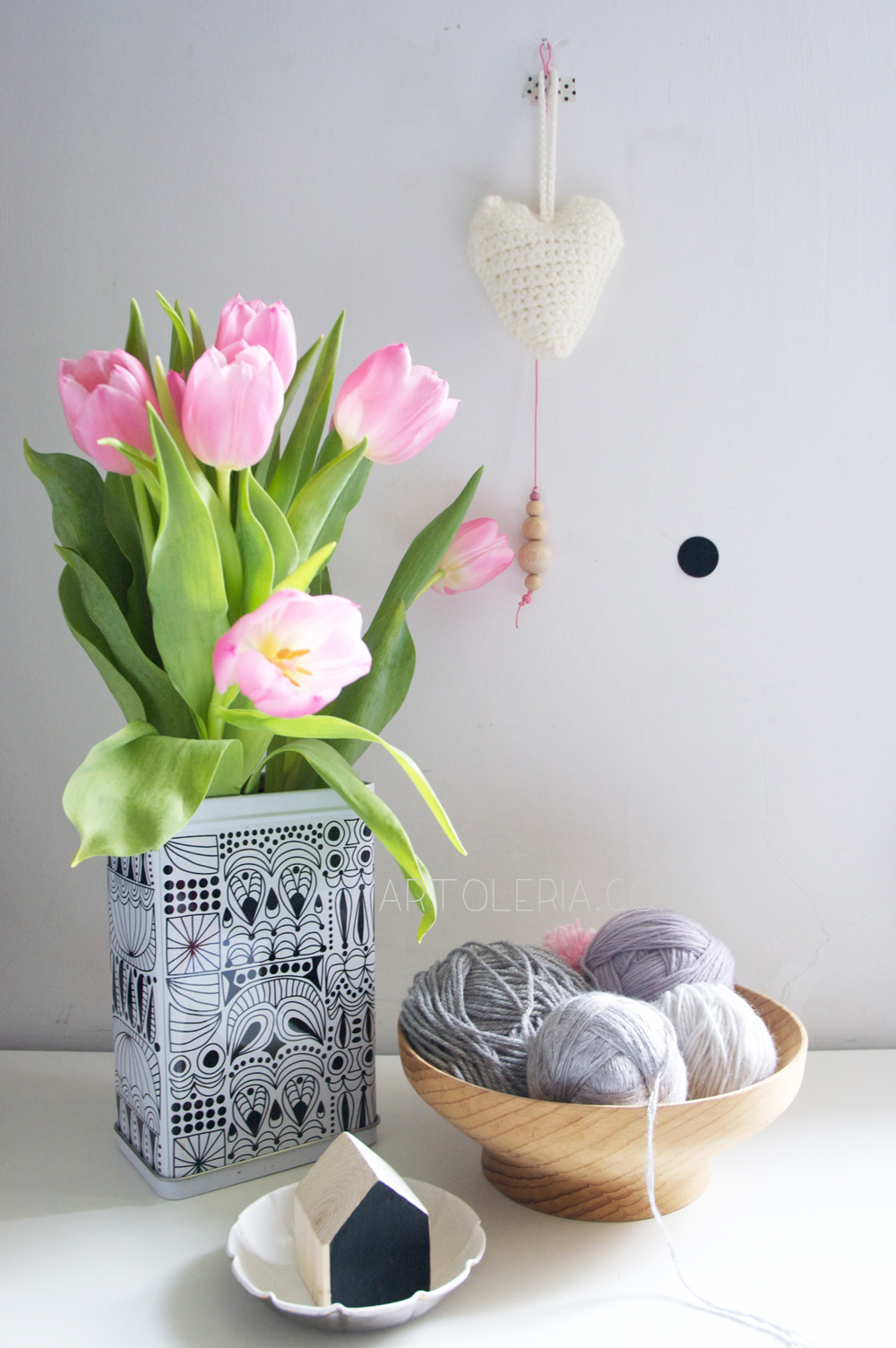wool and tulips