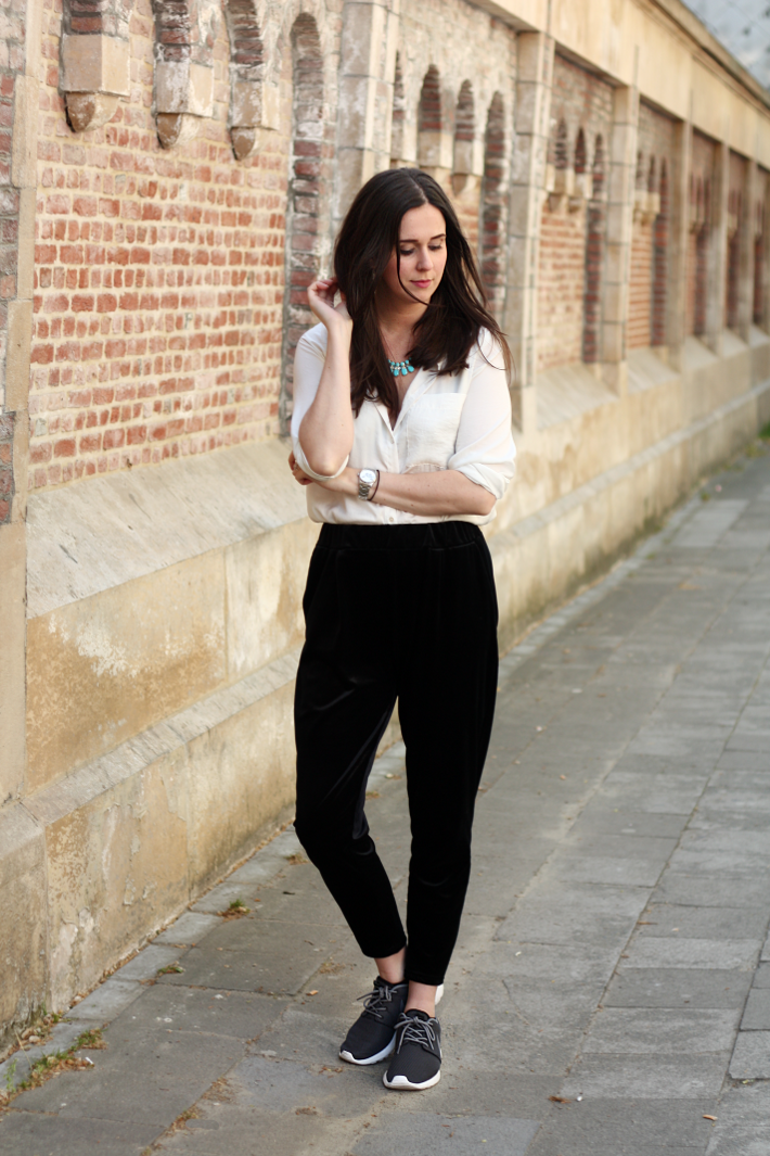 Silk Blouse Velvet Trousers Nike Roshe Runs - THE STYLING DUTCHMAN.