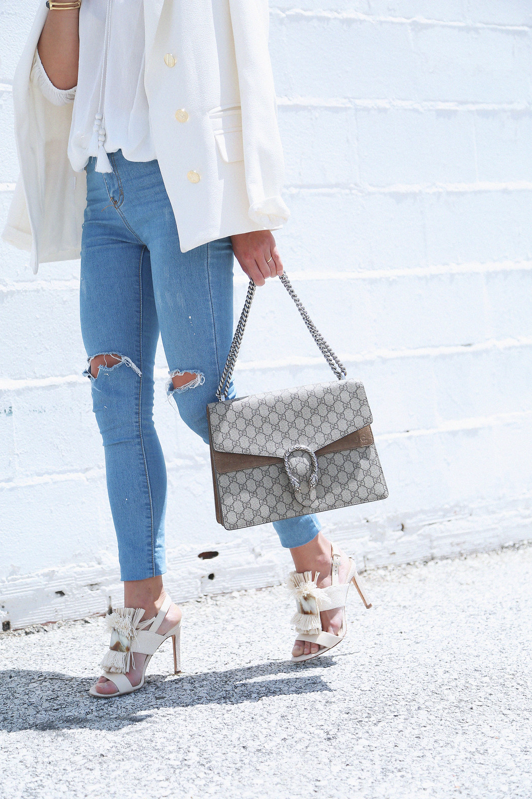 jessie chanes seams for a desire white off shoulder top high waisted jeans gucci bag uterque-15
