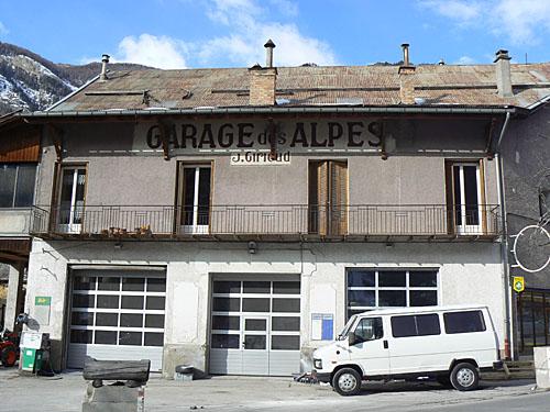 garage des Alpes.jpg