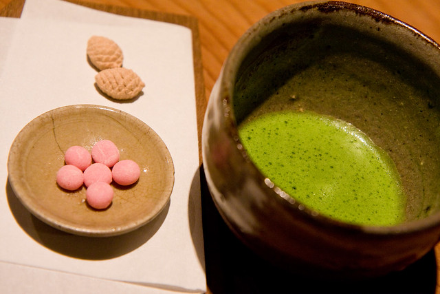 Matcha with candies, Kajitsu