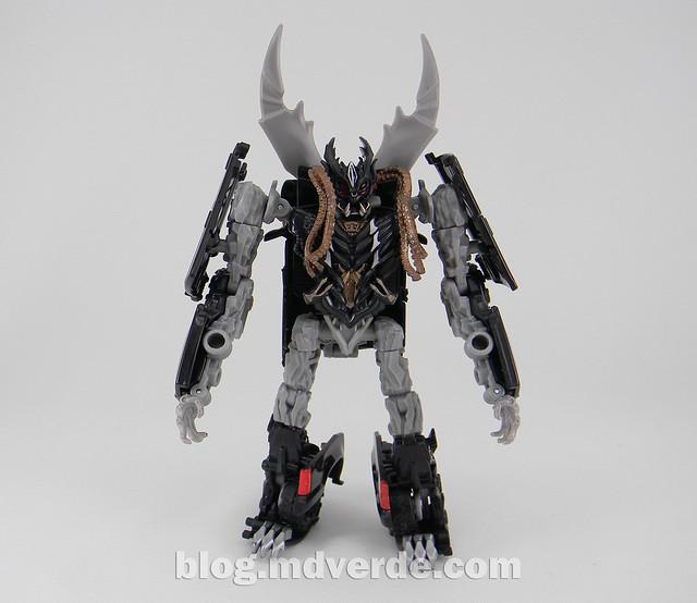 Transformers Crankcase Deluxe - Dark of the Moon - modo robot