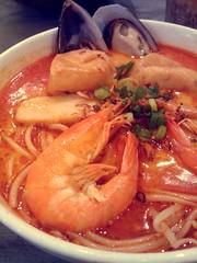 tteokbokki(0.0), udon(0.0), noodle(1.0), meal(1.0), jjigae(1.0), noodle soup(1.0), thai food(1.0), kimchi jjigae(1.0), seafood(1.0), bouillabaisse(1.0), food(1.0), dish(1.0), laksa(1.0), soup(1.0), cuisine(1.0),