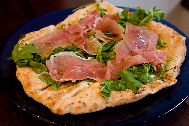 Prosciutto e arugula pizza, Don Antonio