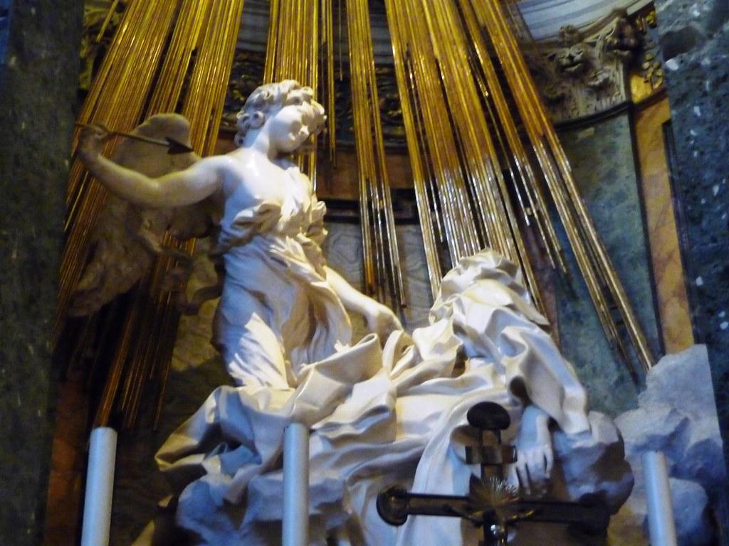 El Éxtasis de santa Teresa de Bernini es la Pietà (ver el capítulo 12) de la escultura barroca