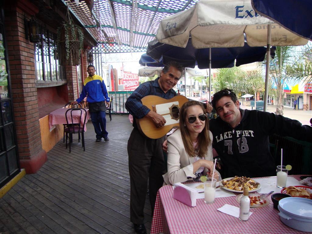 """Comiendo en el Restaurante """"El Torito"""" (Av. Revolución) tijuana - 6932238227 9974a1c904 o - Tijuana, La ciudad frontera con """"otro mundo"""""""