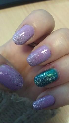 graduated glitter nails