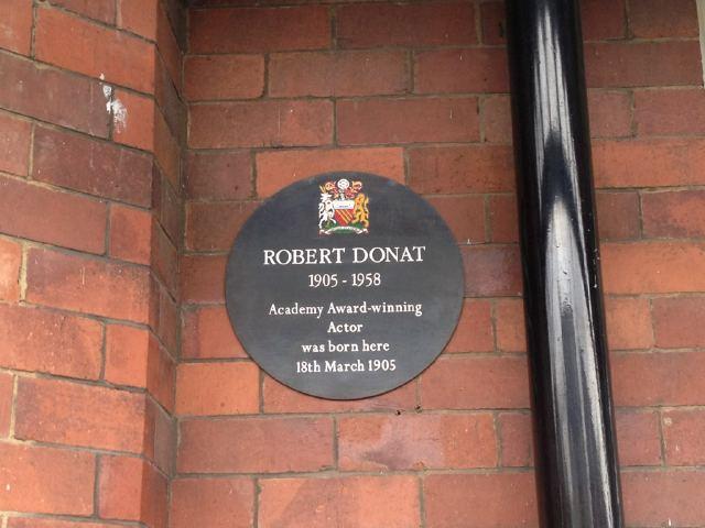 Photo of Robert Donat black plaque