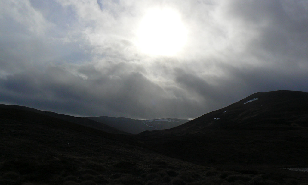 Sunrays over Carn Liath