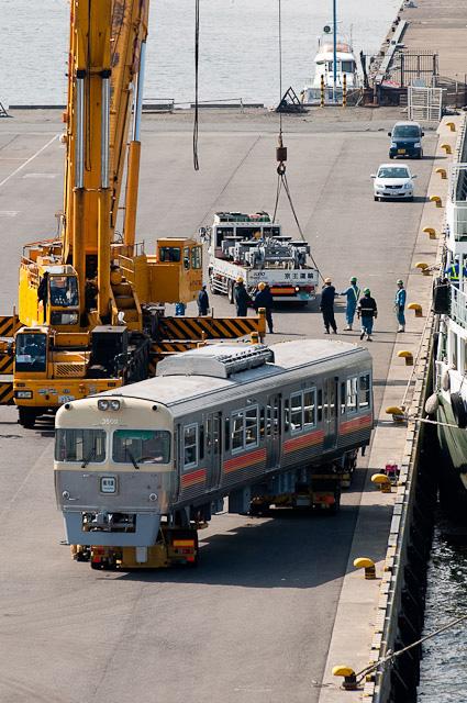 伊予鉄道3000系 3009F・3010F 横浜港大黒ふ頭で船積み