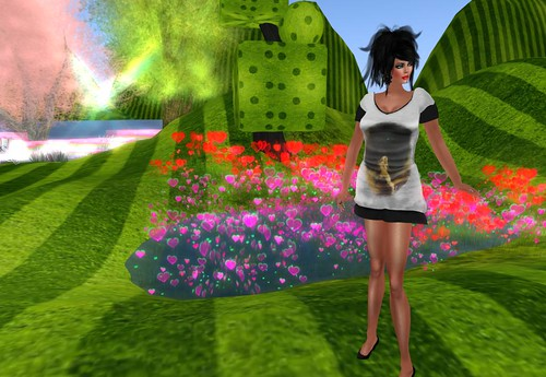 Beauty & The Freak Hunt Gift Giver - Leri Miles Designs by Cherokeeh Asteria