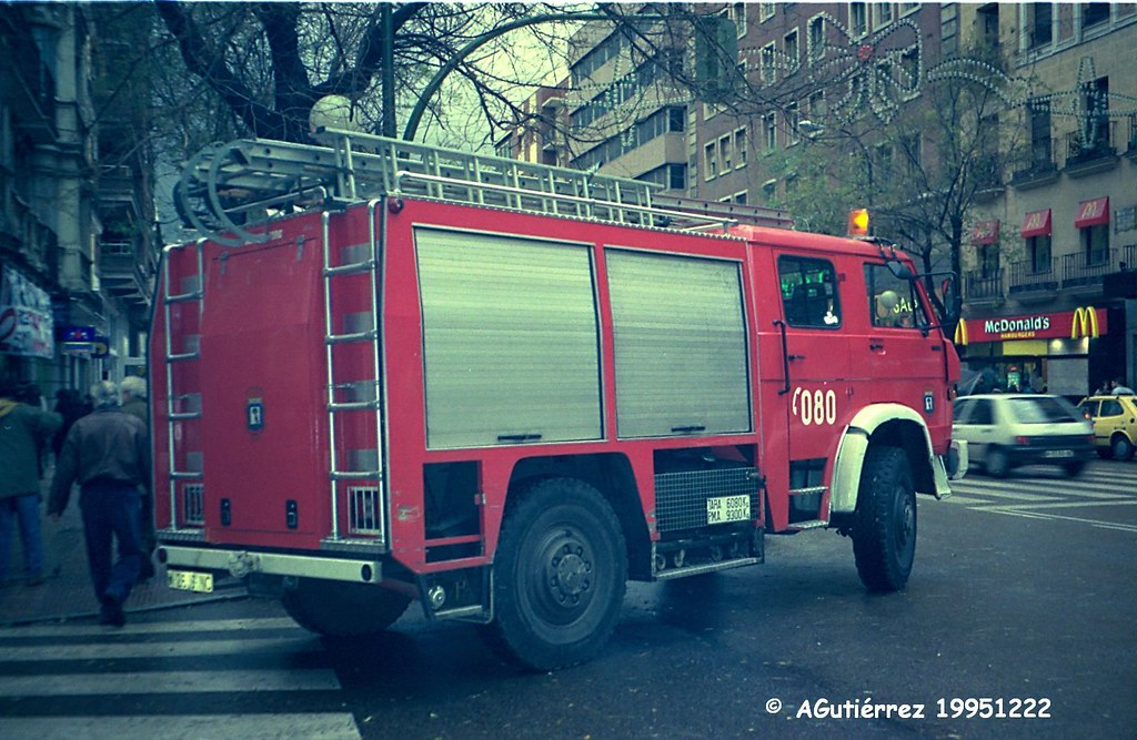 Vehículos antiguos [Bomberos del Ayuntamiento de Madrid] 7060546647_3070254a7c_b