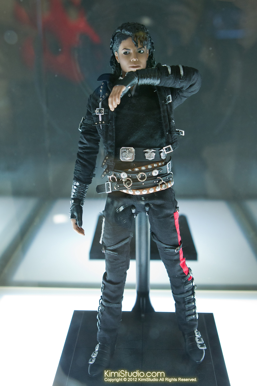 2011.11.12 HOT TOYS-036