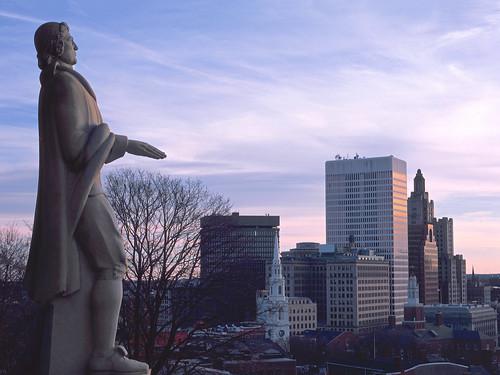 ri statue sunrise downtown day williams cloudy providence rhodeisland fujifilm roger v700 rdpiii gx680iii