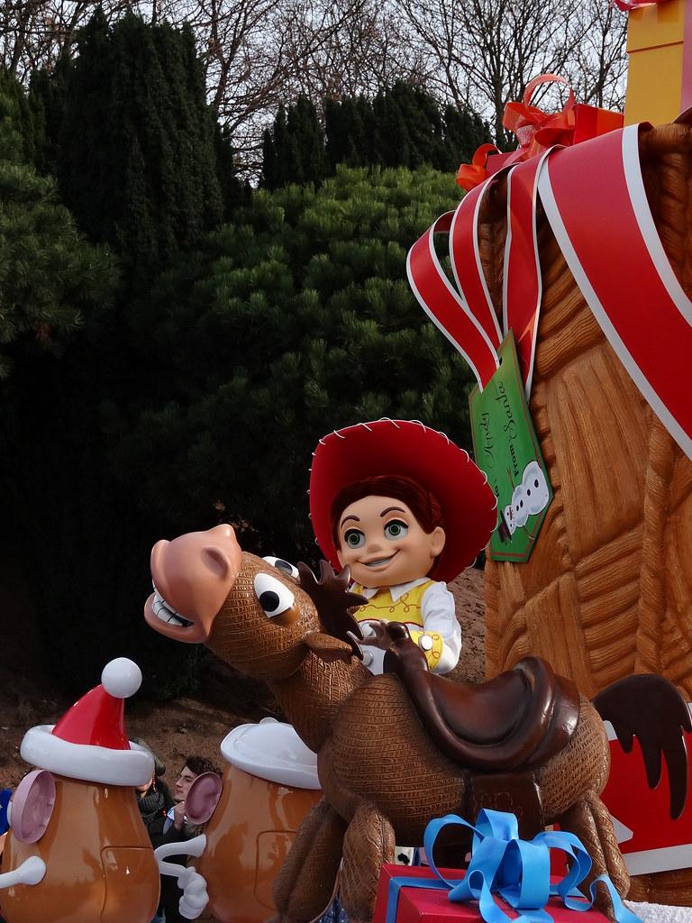 Un séjour pour la Noël à Disneyland et au Royaume d'Arendelle.... - Page 3 13669228815_ee5528026e_b