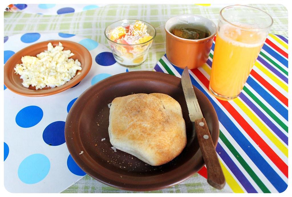 Hostal CasArte Takubamba breakfast