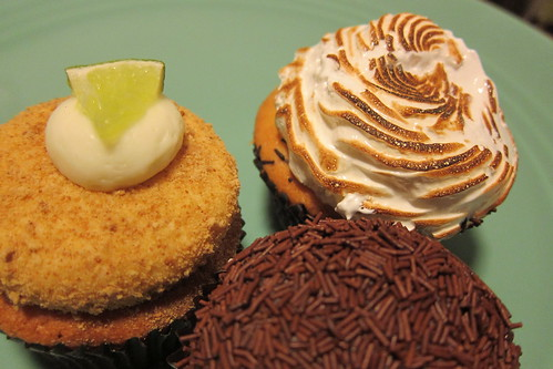 Vanilla Bakeshop: Cupcakes
