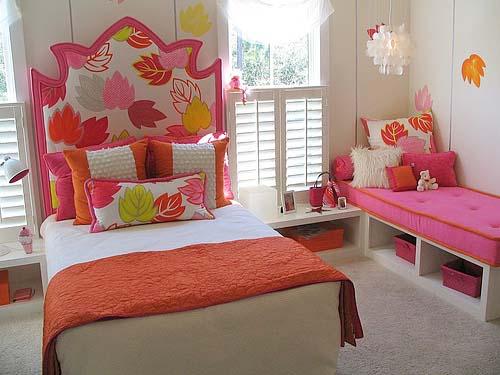 kids-room-girls-bed
