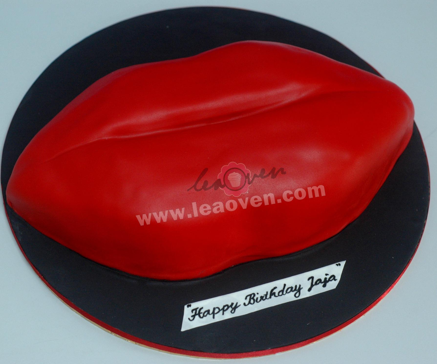 Lea Oven Red Lips Birthday Cake