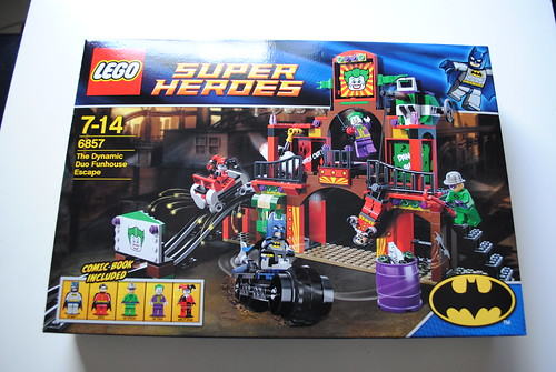 [Review] Super Heroes 6857: The Dynamic Duo Funhouse Escape 6863608703_c20716fff5