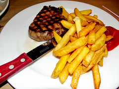 meal, steak, vegetable, grilling, steak frites, produce, french fries, food, dish, cuisine, fast food,