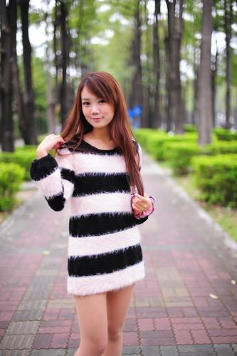 [フリー画像素材] 人物, 女性 - アジア, セーター, 台湾人 ID:201202232200