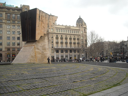 Cool architecture at Catalunya square