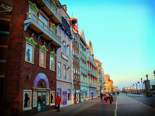 Atlantic City Boardwalk - Flickr CC surfergirl30