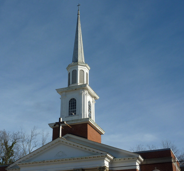 P1050047-2012-02-25--Airport-Drive-West-End-Calvery-United-Methodist-Church-Atlanta-Steeple-Full